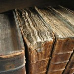 300px-Old_book_bindings_cropped